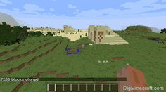 Clone a pyramid using the /clone command in Minecraft (game commands and cheats)