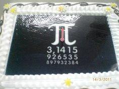 """""""Pi Günü"""" ilk defa San Francisco Exploratorium da 1988 de kutlanmıştır. O günden sonra da her yıl Mart ayının 14′ünde kutlanmaya devam edilmektedir. Pi sayısının ilk 3 basamağından dolayı (3,14) yani Mart 14' ü temsil eder."""
