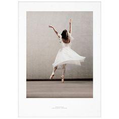 Essence of Ballet 03 juliste      Valmistaja: Paper Collective     Design: Ingrid Bugge