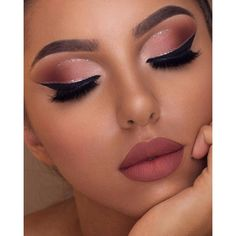 Wow, we're just obsessed with make-up collections by Too Faced! This Sam … – Prom Make-Up Ideas Makeup Eye Looks, Cute Makeup, Gorgeous Makeup, Pretty Makeup, Amazing Makeup, Soft Eye Makeup, Peach Makeup Look, Makeup Glowy, Party Makeup Looks