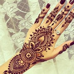 Top 5 Mehndi Designs of the Day Hello here we present you top 5 mehndi designs for monday motivation