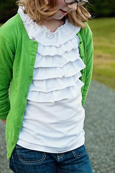 The tutorial is here:  http://paperpassionpixels.blogspot.com/2011/02/refashioned-shirt-take-one.html