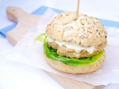 Diner Recipes, Salmon Burgers, Broccoli, A Food, Hamburger, Sandwiches, Lunch, Chicken, Dinner
