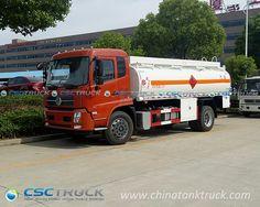 Multi-Compartment-Oil-Tanker-Truck 01