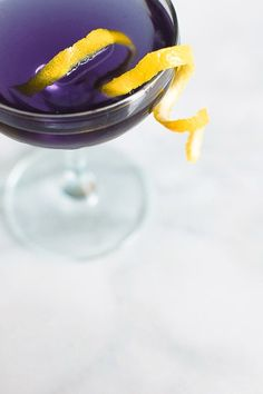 Aviation // Craft & Cocktails for Jojotastic Craft Cocktails, Cocktails 2018, Gin, Cocktail Names, Meals For One, Mixed Drinks, Yummy Drinks, Cocktail Recipes, Aviation