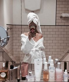 skin care - Coconut Oil Replaced All Of My Beauty Products For A Day And This Is What Happened Foto Art, Insta Photo Ideas, Shelfie, My Beauty, Beauty Makeup, No Time For Me, Photography Poses, Product Photography, Fashion Photography