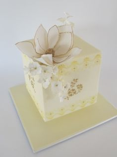 Floating Magnolia Cube Cake with Anna Maria Roche from Planet Cake