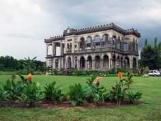 "beautiful view of the abandoned mansion known as ""The Ruins"" in Talisay City, Philippines. Abandoned Buildings, Abandoned Property, Abandoned Castles, Old Buildings, Abandoned Places, Old Mansions, Abandoned Mansions, Philippines Cities, Permanent Vacation"