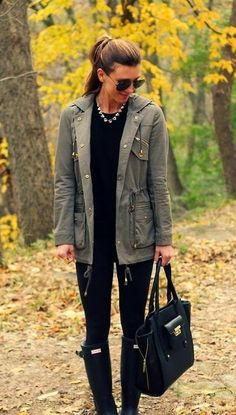 Stylish black outfits and green long jacket – Vialikes