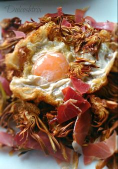 Dulces Btrix: Huevos rotos con alcachofas crujientes y jamón My Favorite Food, Favorite Recipes, Pulled Pork, No Cook Meals, Cabbage, Yummy Food, Delicious Recipes, Appetizers, Lunch