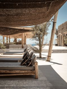 a rustic chic vibe on the island of mykonos by the style files Beach Club, Outdoor Spaces, Outdoor Living, Outdoor Lounge, Living Haus, Patio Interior, Paris Hotels, Coastal Living, Villa
