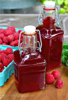 This homemade fresh raspberry syrup for drinks is made wit three ingredients: fruit, water and sweetener! Add to enhance the flavor of drinks!