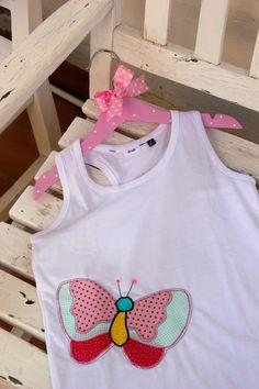 cc52e8fce Camiseta de mariposa para niña Franelas