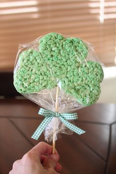 Shamrock Rice Krispie Treats. Use a heart cookie cutter to make the shamrock. Clever.