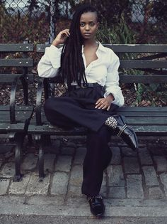 dynamicafrica:FRIDAY INSPIRATION: Kelela in Interview Magazine. The Ethiopian-American singer channels a and classic tomboy femme look in a crisp white Maison Martin Margiela shirt, baggy Celine pants and patent vintage Comme des Garcon buckle shoes. Hip Hop And R&b, Studio 54, Tomboy Fashion, Tomboy Style, Girl Fashion, African Diaspora, Professional Outfits, Young Professional, Fashion Story