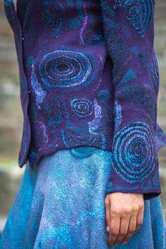 Пиджаки, жакеты ручной работы. Заказать Жакет валяный Felted Wool Crafts, Felt Crafts, Wet Felting Projects, Jean Délavé, Textile Fiber Art, Nuno Felting, Handmade Felt, Felt Art, Bleu Marine