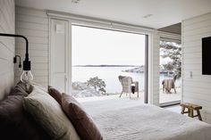 Cozy Living Rooms, Coastal Living, Modern Barn House, Summer Cabins, Home Pictures, Interior And Exterior, Hygge, My House, Beach House