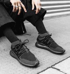 adidas Tubular Doom Primeknit. Hier entdecken und shoppen: https://sturbock.me/fM0
