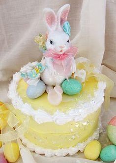 .Cute bunny cake
