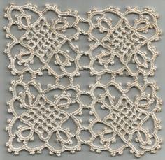 Antiguinho: Três Paninhos de Crochê