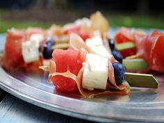 We love these tiny appetizer sized skewers. Side Dish Recipes, Side Dishes, Grilled Corn Salad, Fruit Skewers, Blue Fruits, Chocolate Strawberries, Recipe For 4, Cherry Tomatoes