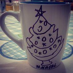 É natal, mas o café não pode  faltar né! www.diariodebordo.net.br #cafe #cafeina #natal #arvore #vida #jesus #amor #nasceu