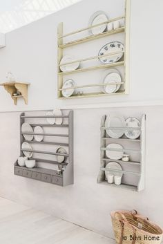 plate gallery wall Ariadne at Home Woonbeurs 2013 | Binti Home Blog