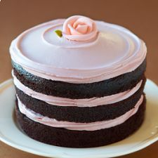 Pretty birthday cake. Though, the cake layers would have to be pretty perfect and I'm not sure I'd succeed at that!