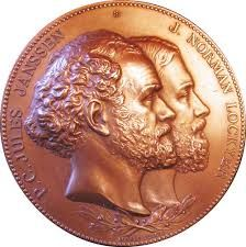 Joint medal for Pierre Janssen and Norman Lockyer issued by the French Académie des Sciences. It was in recognition of their independent innovation of a method of studying the Sun when it was not eclipsed.