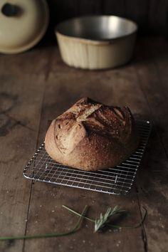 kiyoaki:    (vía Always With Butter: herbed bread)