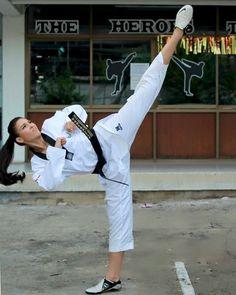 "156 Likes, 2 Comments - Cassandra C Haller ☘️ (@cassandra.chz) on Instagram: ""If you think you can, you'll #taekwondo #taekwondogirl #taekwon #thaisport #sportthai #sport…"""