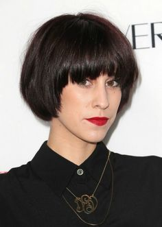 A BEAUTIFUL LITTLE LIFE: New Year, New 'Do! THE BOWL CUT IS BACK! THE PAGEBOY! THE WEDGE!