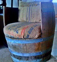 Chaise rustique faite dans un baril de whisky - rustic ~ chair made from an old whiskey barrel