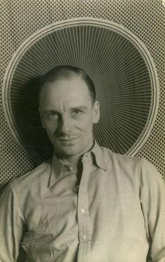 John Gielgud, photographed by Carl Van Vechten in 1936