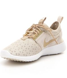 womens nike shoes dillards