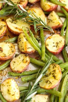 One Sheet Pan Rosemary Chicken + Potatoes & Green Beans - ALL cooked on one sheet pan and ready in under an hour! #roastedchicken #rosemarychicken #roastedpotatoes #onepandinner   Littlespicejar.com
