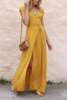 5 WAYS TO WEAR A MAXI DRESS NOW V-Collar Casual Band Wave Dot Print Open Slit Dress streetstyle fashion style streetwear dresses fashion dress style love clothes ootd beauty fashionista 355151120615493115 Spring Dresses Casual, Casual Dress Outfits, Mode Outfits, Spring Outfits, Fashion Outfits, Summer Dresses, Summer Maxi, Casual Summer, Emo Fashion