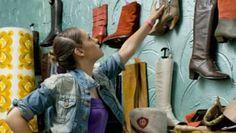 Wer lieber spannende und nachhaltige Mode mag, findet in Secondhand-Lädern die grossartigsten Schätze. Wir verraten unsere Lieblingsläden und suchen die Geheimtipps der BLICK-Community. Trends, Editorial Board, Sustainable Fashion, Hush Hush, Amazing, Beauty Trends