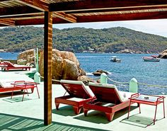 ACAPULCO, MEXICO: OLD-HOLLYWOOD GLAMOUR FOR LESS THAN $100 A NIGHT