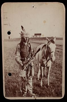 "Original Cabinet Card Photo Of Sioux Indian Cheif ""skunk"" With Rifle, C. 1880's"