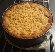 Recept appelkruimeltaart zelf maken hema met appels, roomboter, bloem, paneermeel, springvorm, kaneel, suiker en bakken maar.
