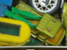 Ja das ist klar: der Model-Abschleppwagen der Modelautofirma Matchbox, so um 1977. als ich den in meine damalige Spielzeugwelt bekam, da wurden meine beiden Geschwister Burkhard Carsten und meine Schwester - die Zwillinge geboren. Ein paar Monate später erlag Burkhard Carsten seiner angeborenen Erkrankung und ging heim zu Gott (er starb) im alter von gerade 7 Monaten.