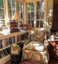 Coziest Reading Corner Ever (Content in a Cottage) This has got to be the most well thought out reading nook ever. I do wish I could see the rest of the sunroom because I know I would love everything. via I would be searching for the companion ottoman Cozy Nook, Cozy Corner, Cozy Reading Corners, Reading Nooks, Cozy Reading Rooms, Reading Chairs, Home Libraries, My New Room, Cozy House
