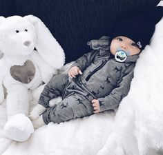 Our baby boy clothes & newborn outfits are severely delightful. Cute Little Baby, Baby Kind, Little Babies, Cute Babies, Cute Baby Boy Outfits, Cute Baby Clothes, Newborn Boy Clothes, Little Boy Outfits, Cute Baby Pictures