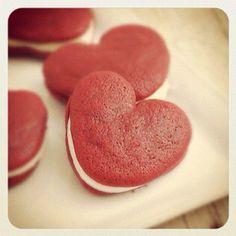 red heart whoopie pie