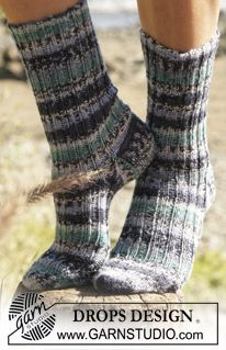 """DROPS socks knitted in Rib with """"Fabel"""". ~ DROPS Design"""
