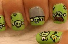 Cute! Angry Birds Pig Nail Art