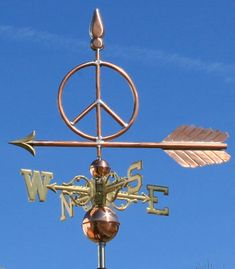 This is a weathervane for anyone that wants a much more direct symbol of peace than the dove with an olive branch. At the top of the weathervane is a spear point and the bottom is a large arrow. Hippie Peace, Hippie Art, Hippie Style, Peace Sign Symbol, Peace Signs, Peace Symbols, Gypsy, Give Peace A Chance, Weather Vanes