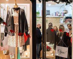 @mlowrider se lo está curando un montón para editas todas las fotos de la fiesta de Navidad que hicimos en Maison Marina Store!! Aquí una muestra! #xmasparty #partytime #mucholove #window #windowview #maisonmarina #maisonmarinagirona #maisonmarinateam #fashionbrand #fashioninspo #design #designlovers #madeinlocal #madeinspain #lovelystore #letsgotowork #fashionwork #fashionatelier #lovemyjob #girona #gironamenamora #costabravacool  #essence #esencia #pure #winterlovers #fashionshoot…