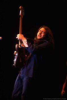 Photos en vrac 35394ed72adb84ba9145f6ecf4e3a63d--rory-gallagher-guitar-players